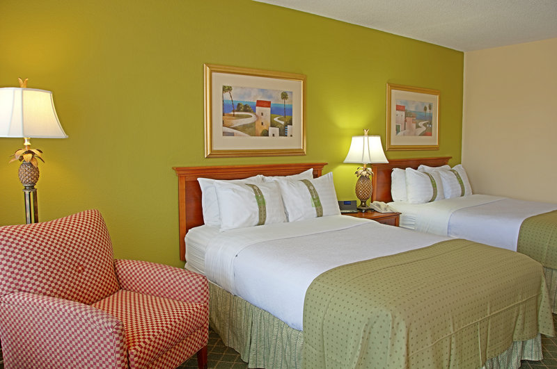 Holiday Inn Hotel & Suites Vero Beach-Oceanside-Standard City View Two Double Bed Guestroom<br/>Image from Leonardo
