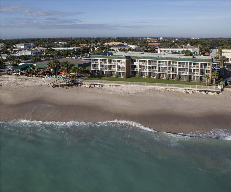 Holiday Inn Hotel & Suites Vero Beach-Oceanside-Located directly on the beach<br/>Image from Leonardo