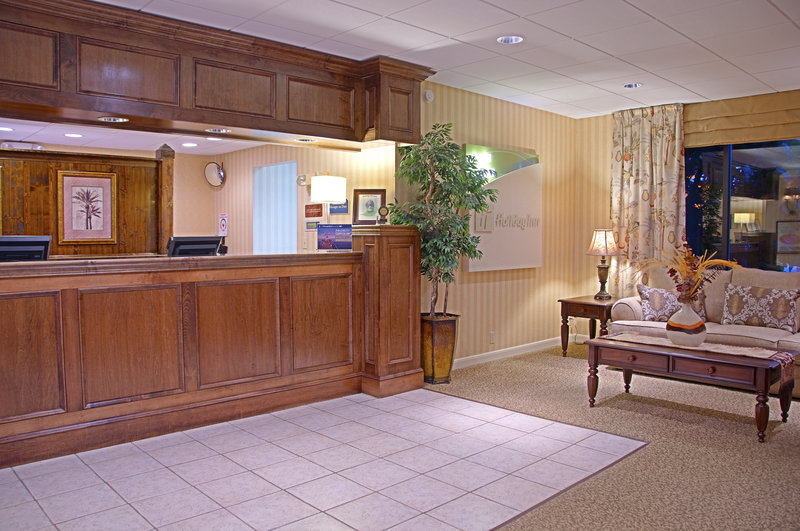 Holiday Inn Hotel & Suites Vero Beach-Oceanside-Our Friendly Guest Services welcome you<br/>Image from Leonardo