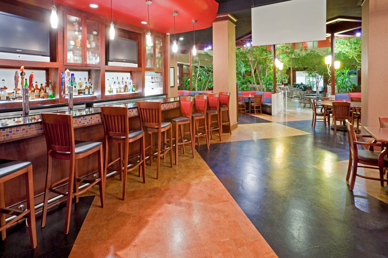 Crowne Plaza Suites Arlington - Ballpark - Stadium-Our Lovely Crowne Plaza Grill & Bar!<br/>Image from Leonardo
