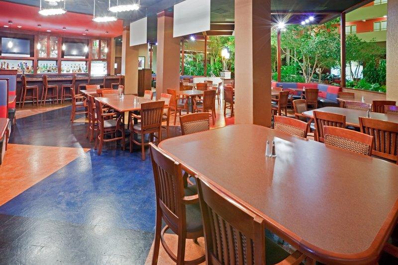 Crowne Plaza Suites Arlington - Ballpark - Stadium-Our Crowne Plaza Grill & Bar!<br/>Image from Leonardo