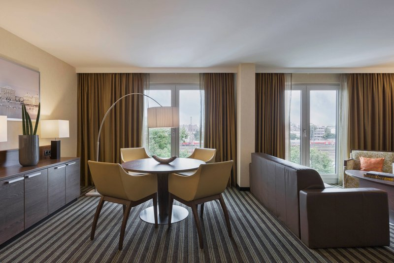 Courtyard Munich City East-Grand King Suite - Dining Area<br/>Image from Leonardo