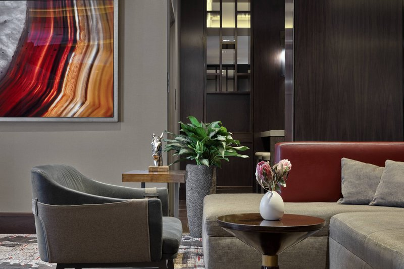 Calgary Marriott Hotel-Lobby - Seating Area<br/>Image from Leonardo