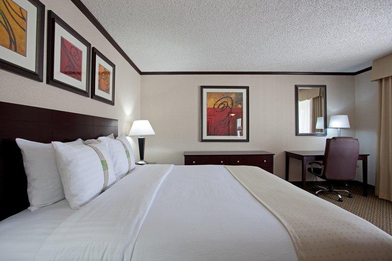 Holiday Inn Burbank - Media Center-King Suite Bedroom<br/>Image from Leonardo