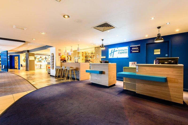 Holiday Inn Express Portsmouth - Gunwharf Quays-Lobby Lounge<br/>Image from Leonardo