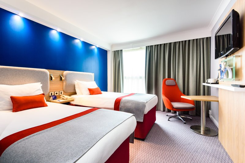 Holiday Inn Express Portsmouth - Gunwharf Quays-Enjoy your stay in our relaxing Twin Bed Guest Room.<br/>Image from Leonardo