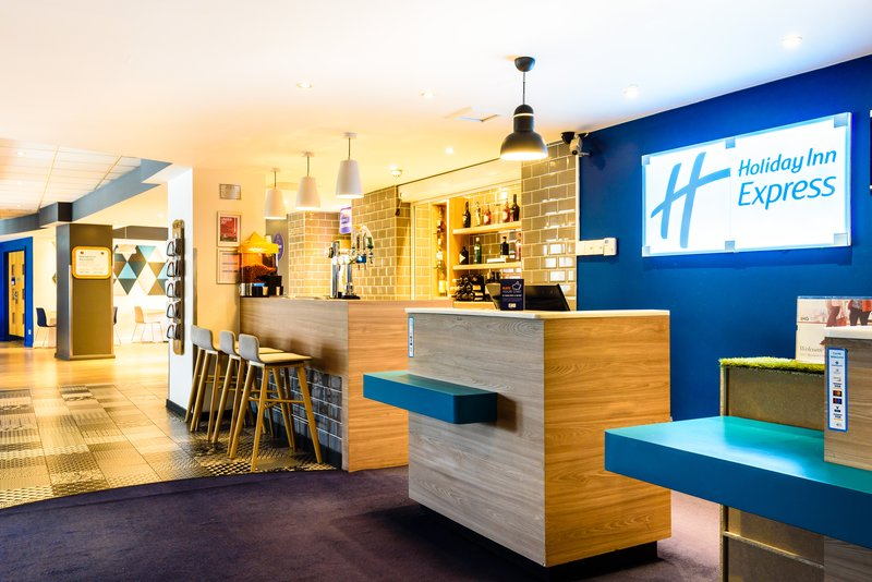 Holiday Inn Express Portsmouth - Gunwharf Quays-Hotel Lobby<br/>Image from Leonardo