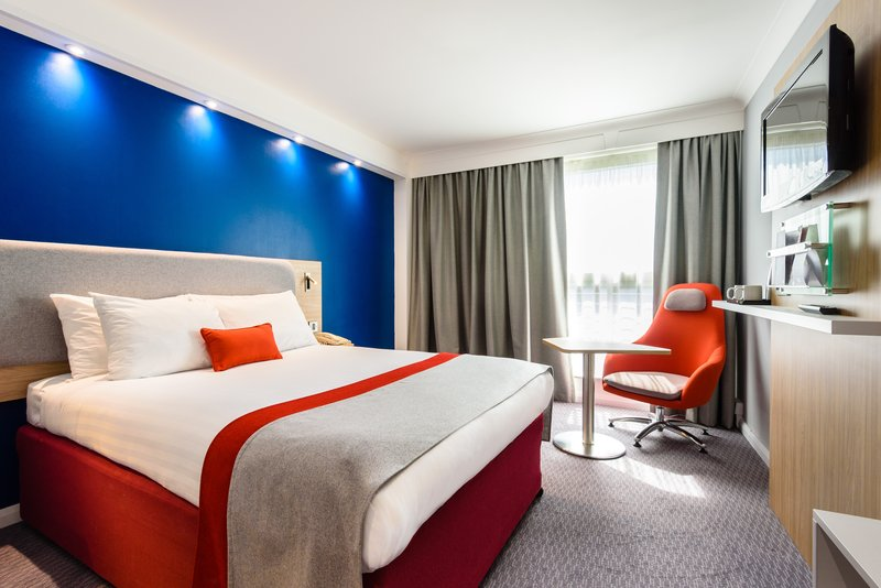Holiday Inn Express Portsmouth - Gunwharf Quays-Enjoy your stay in our relaxing Double Bed Guest Room.<br/>Image from Leonardo