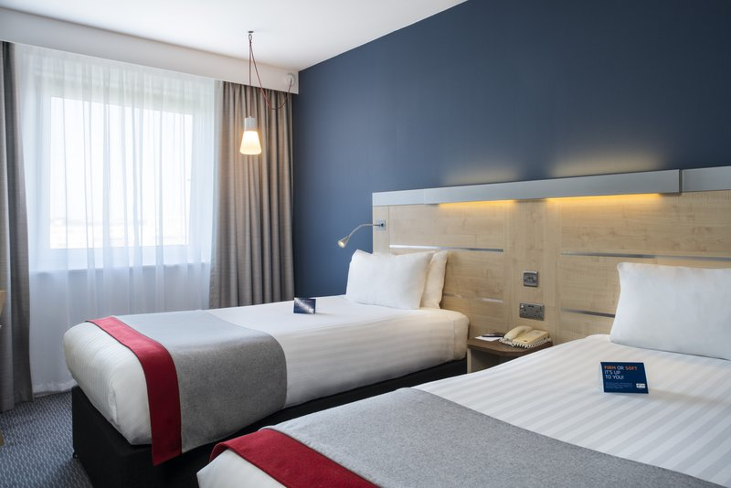 Holiday Inn Express Leicester City-Twin Room<br/>Image from Leonardo