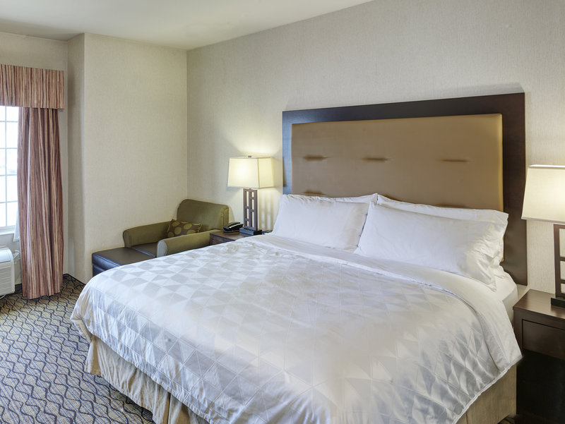 Holiday Inn West Yellowstone-Guest Room<br/>Image from Leonardo