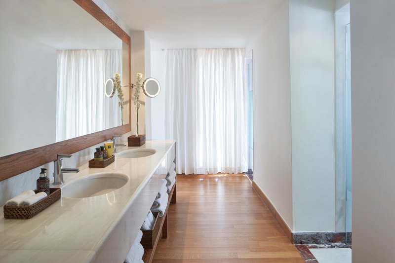 Blue Palace; a Luxury Collection Hotel-The Grand Villa Bathroom<br/>Image from Leonardo