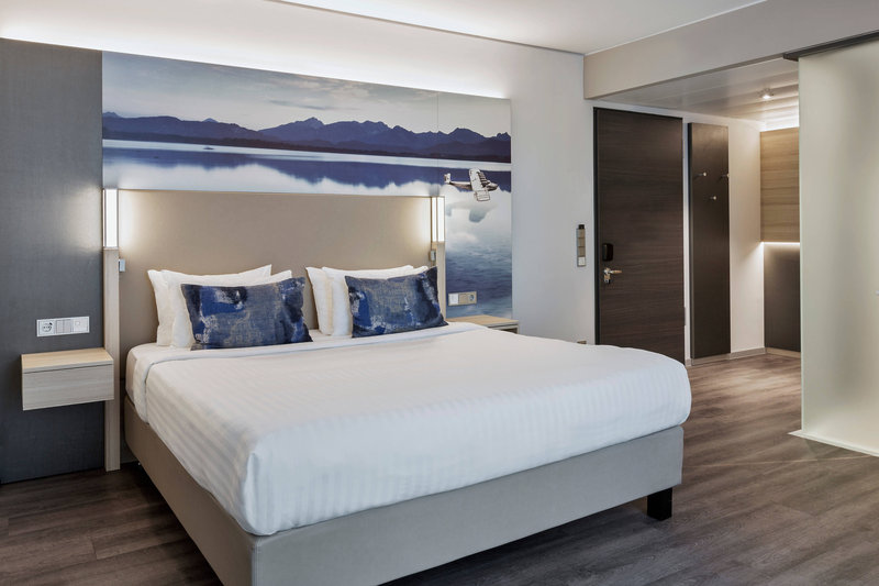 Courtyard Oberpfaffenhofen Munich South-Accessible Superior Guest Room<br/>Image from Leonardo