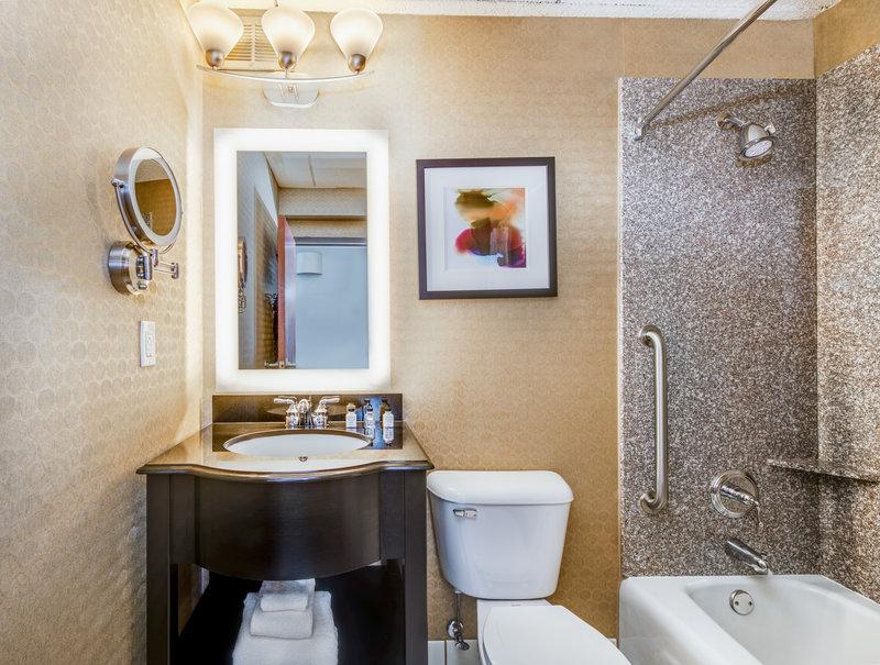 Crowne Plaza Milwaukee Airport-Guest Bathroom<br/>Image from Leonardo