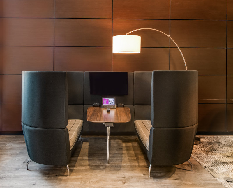 Crowne Plaza Milwaukee Airport-The Nook - Crowne Plaza Workspace<br/>Image from Leonardo