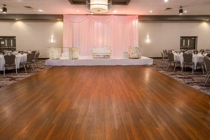 Crowne Plaza Milwaukee Airport-Ballroom<br/>Image from Leonardo