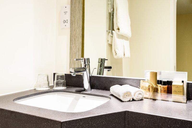 Holiday Inn Portsmouth-Bathroom Amenities<br/>Image from Leonardo