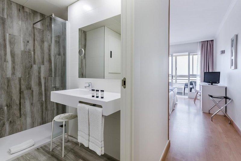 Maya Alicante-000040 Guest Room<br/>Image from Leonardo