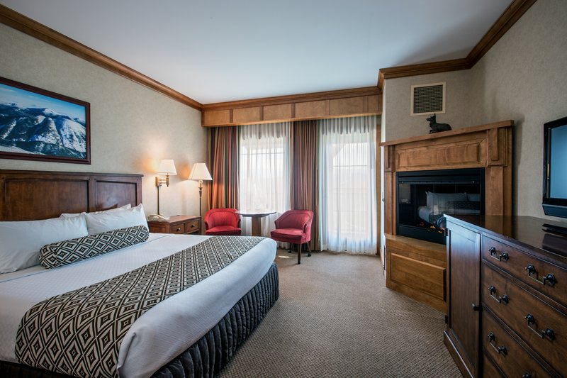 Crowne Plaza Lake Placid-Deluxe King Bed Guest Room with Fireplace (Adirondack Wing)<br/>Image from Leonardo