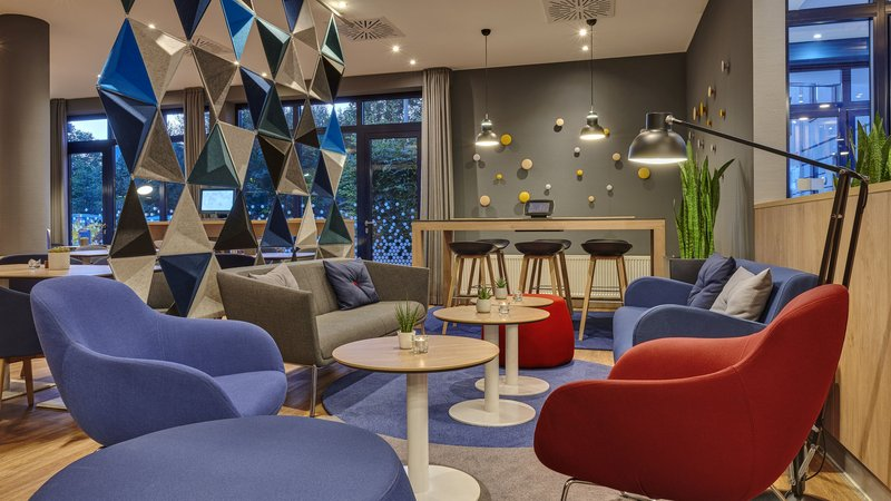 Holiday Inn Express Dortmund-Sit down and relax in our Lounge area<br/>Image from Leonardo