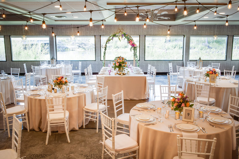 Holiday Inn Milwaukee Riverfront-Our Anchorage Restaurant is perfect for your special day. <br/>Image from Leonardo