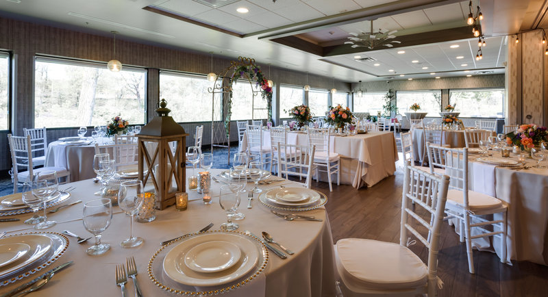 Holiday Inn Milwaukee Riverfront-Let us host the wedding of your dreams in Milwaukee. <br/>Image from Leonardo
