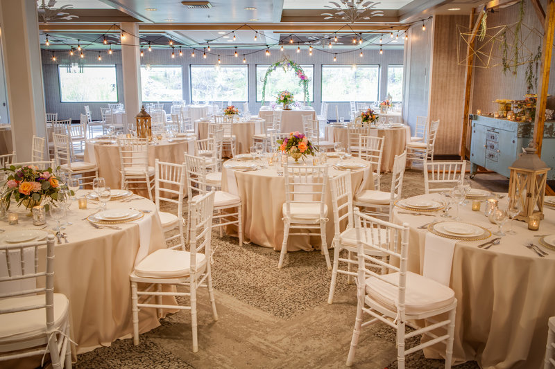 Holiday Inn Milwaukee Riverfront-Our hotel staff are professionals at hosting riverfront weddings. <br/>Image from Leonardo