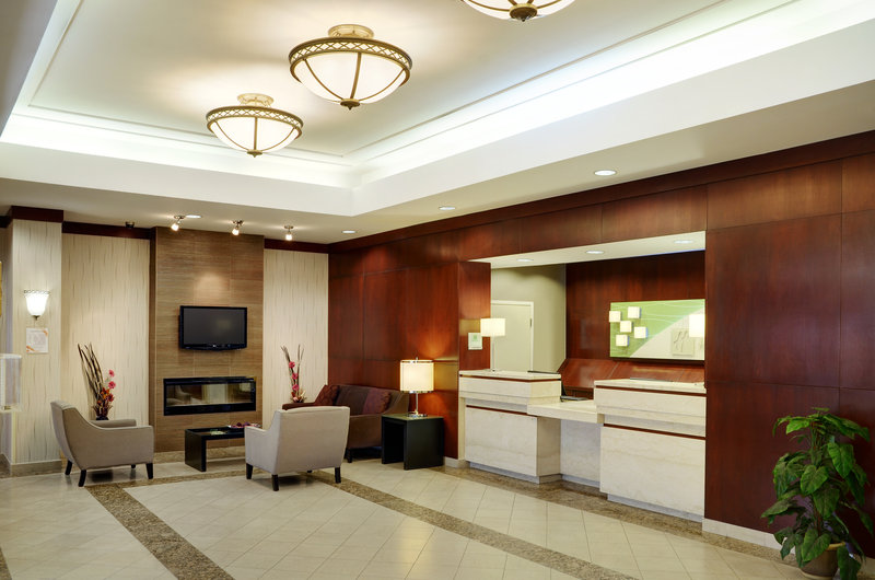 Holiday Inn Hotel & Suites Winnipeg-Downtown-Get checked in with our top notch guest services!<br/>Image from Leonardo