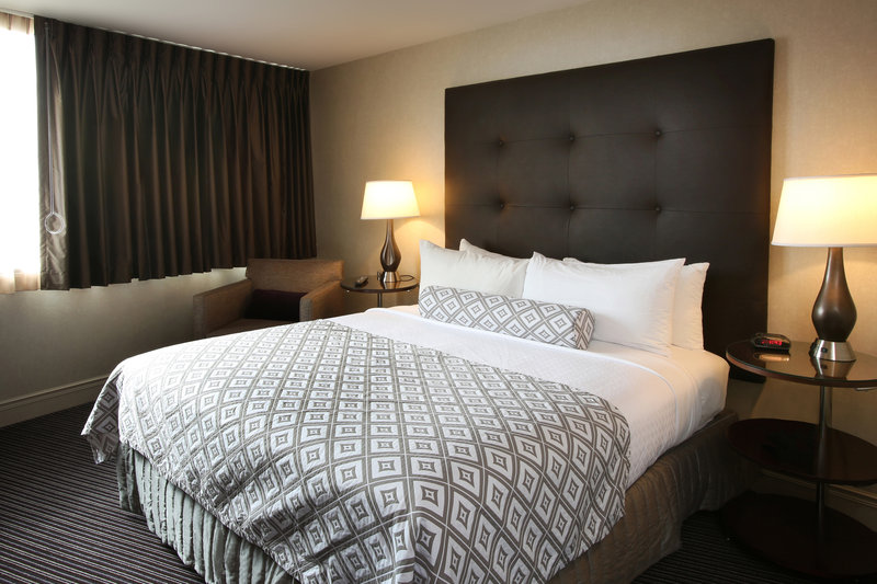 Crowne Plaza Syracuse-Guest Room<br/>Image from Leonardo