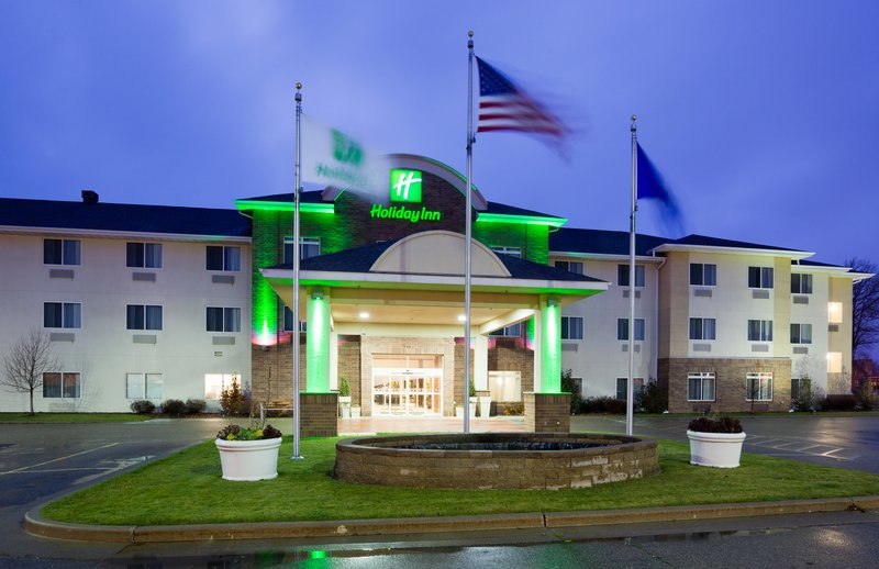Holiday Inn Conference Center Marshfield-Hotel Exterior<br/>Image from Leonardo