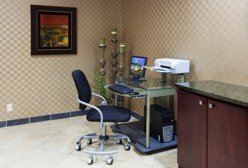 Holiday Inn Conference Center Marshfield-Business Center<br/>Image from Leonardo