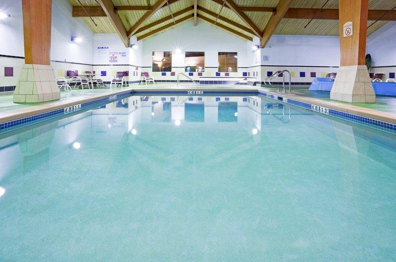 Holiday Inn Conference Center Marshfield-Swimming Pool<br/>Image from Leonardo