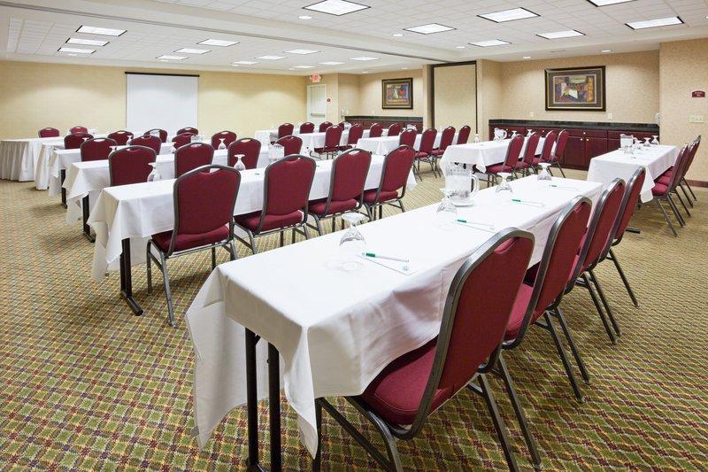 Holiday Inn Conference Center Marshfield-Meeting Room<br/>Image from Leonardo