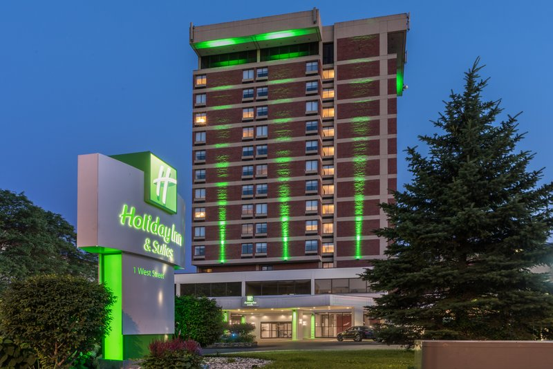 Crowne Plaza Pittsfield-Berkshires-Holiday Inn & Suites Pittsfield - Berkshires<br/>Image from Leonardo