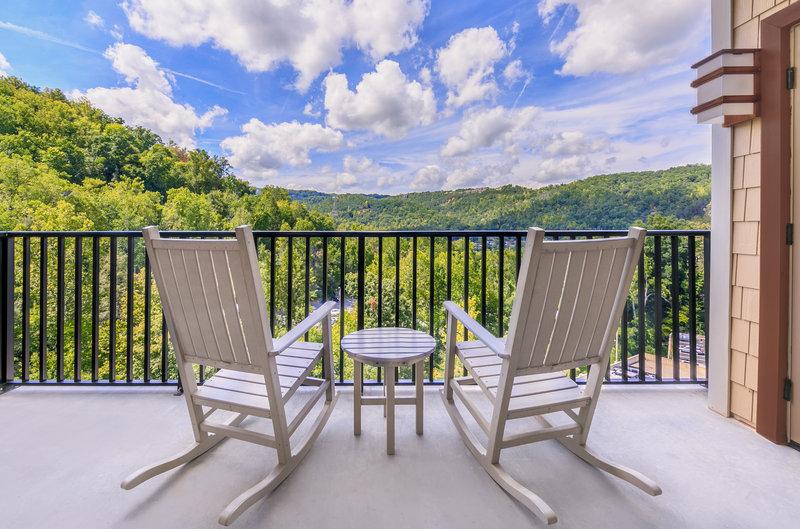 Holiday Inn Club Vacations Gatlinburg-Smoky Mountain Resort-Guest Room<br/>Image from Leonardo
