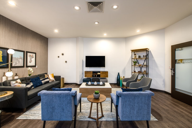 Crowne Plaza White Plains - Downtown-The Studio<br/>Image from Leonardo