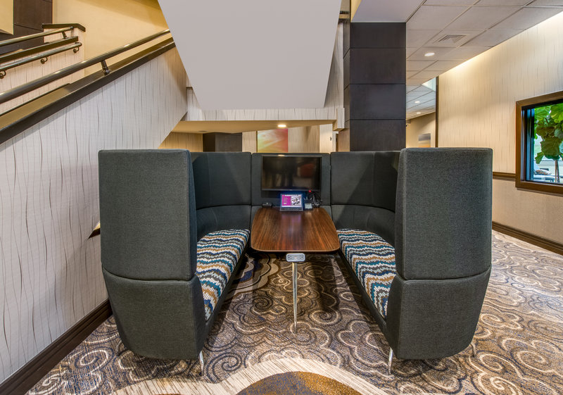 Crowne Plaza White Plains - Downtown-The Nook is a semi private meeting space offered complimentary<br/>Image from Leonardo
