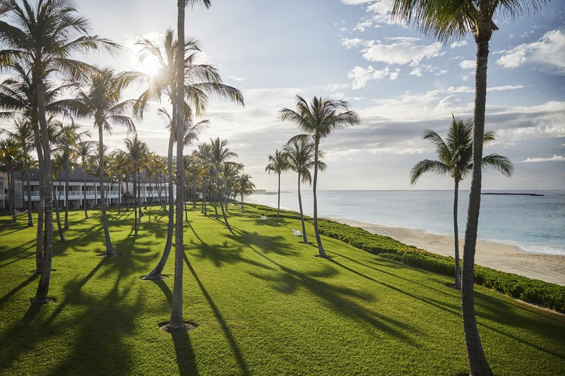 Ocean Club, A Four Seasons Resort, Bahamas-Crescent Wing and Lawn<br/>Image from Leonardo