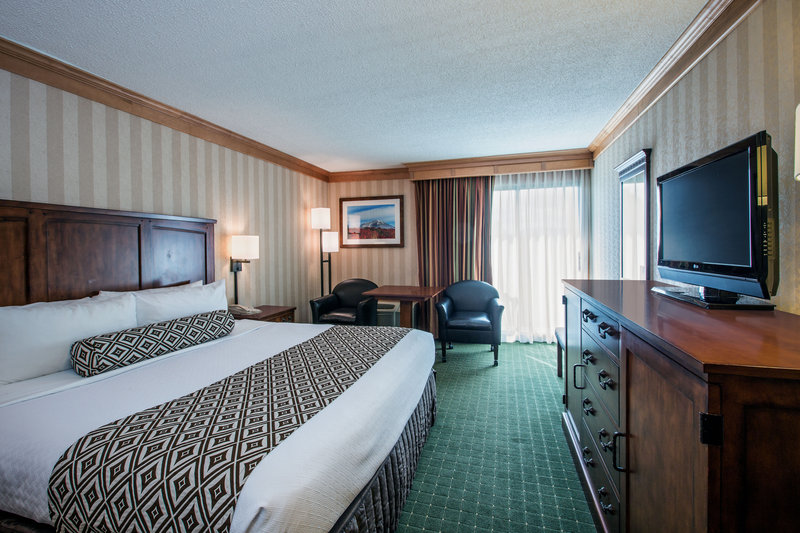 Crowne Plaza Lake Placid-King Bed Guest Room<br/>Image from Leonardo