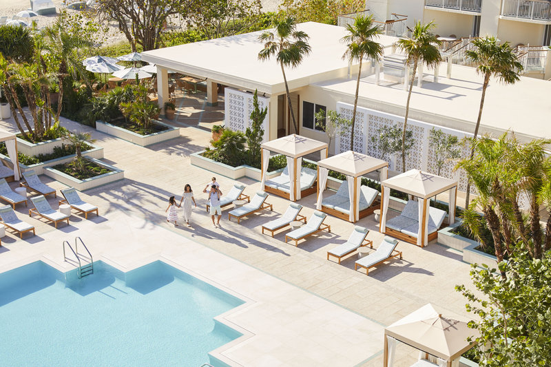 Four Seasons Resort Palm Beach-Pool Deck<br/>Image from Leonardo