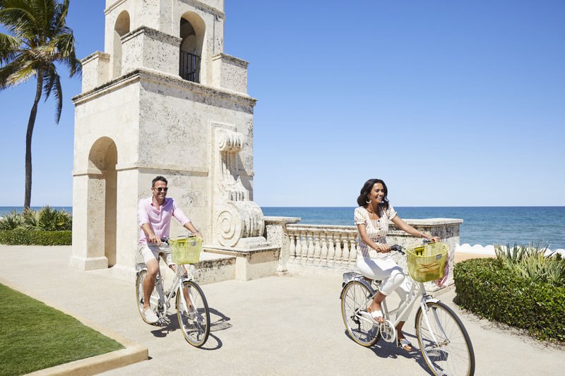 Four Seasons Resort Palm Beach-Complimentary Bicycles<br/>Image from Leonardo