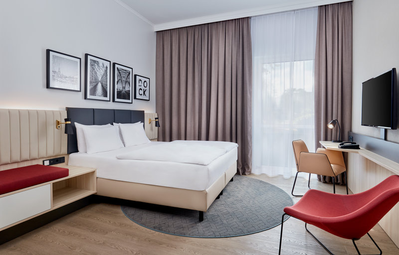 Crowne Plaza Hamburg - City Alst-Wheelchair Accessible<br/>Image from Leonardo