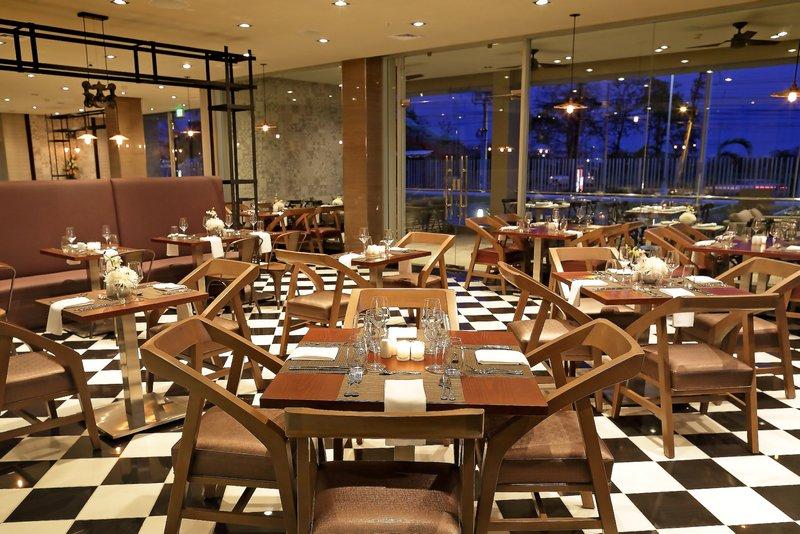 Crowne Plaza Panama Airport-Restaurant at Hotel Crowne Plaza Panama Airport<br/>Image from Leonardo