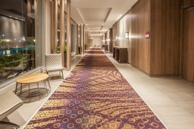 Crowne Plaza Panama Airport-Corridor<br/>Image from Leonardo