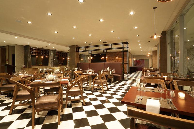 Crowne Plaza Panama Airport-Restaurant at Airport Hotel Panama Crowne Plaza<br/>Image from Leonardo