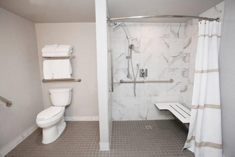Marriott Niagara Falls on the Falls-Accessible Bathroom - Roll-In Shower<br/>Image from Leonardo