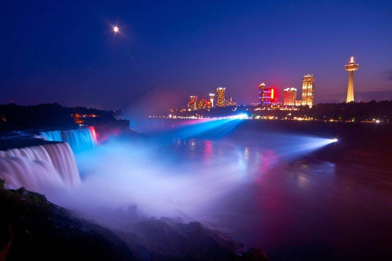 Marriott Niagara Falls on the Falls-Falls Illumination<br/>Image from Leonardo