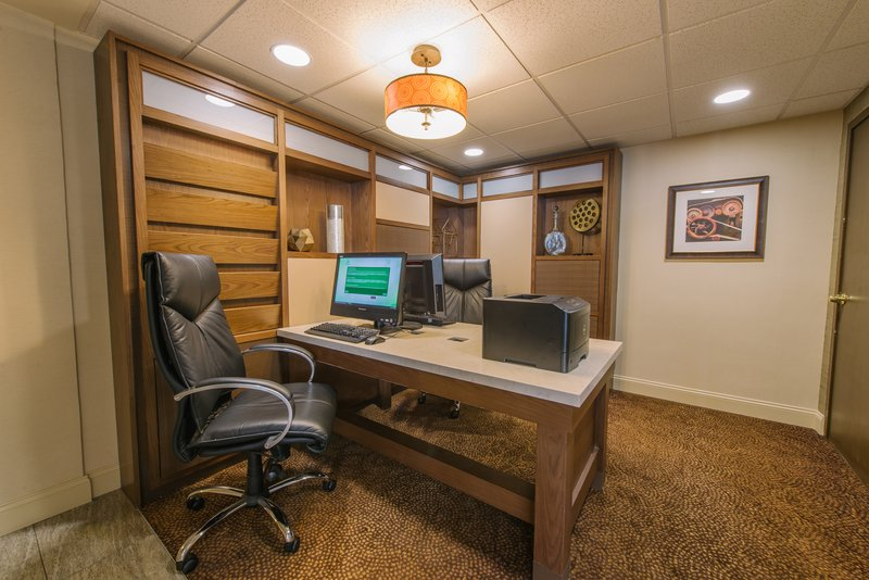 Holiday Inn Mt. Kisco-Convenient Business Center to check emails and print documents<br/>Image from Leonardo