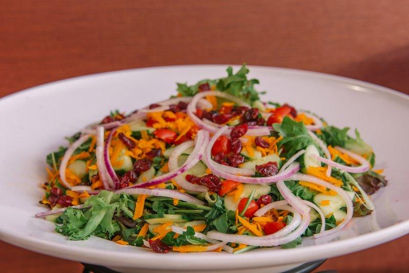 Holiday Inn Mt. Kisco-Harvest Garden Salad<br/>Image from Leonardo