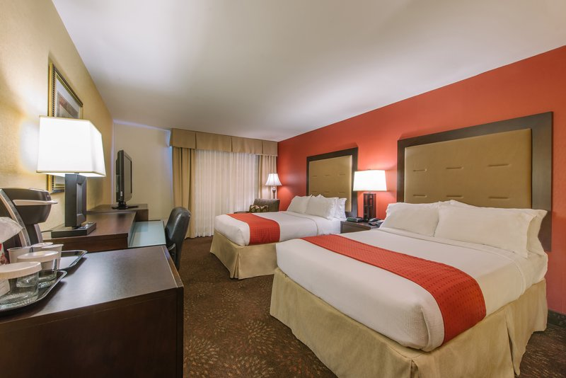 Holiday Inn Mt. Kisco-Double Bed Guest Room<br/>Image from Leonardo