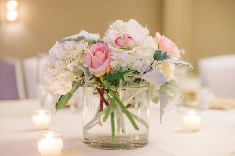Holiday Inn Mt. Kisco-It's all in the details - beautiful flower arrangement<br/>Image from Leonardo